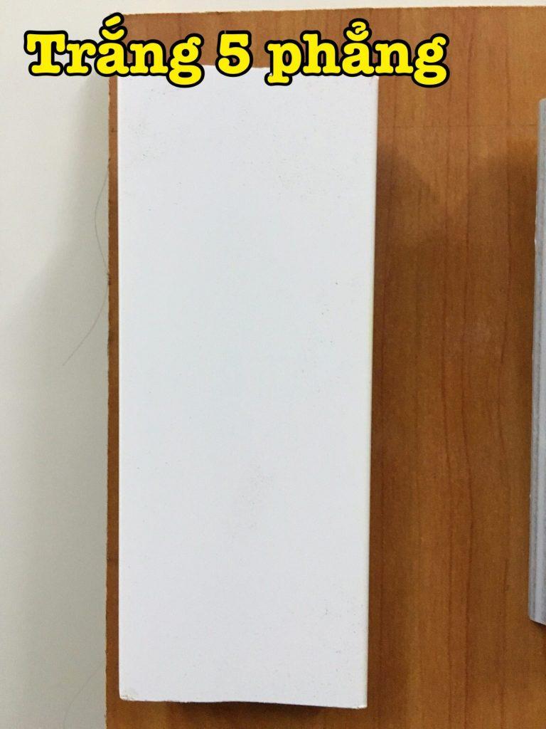 Khung gỗ treo tường hiện đại